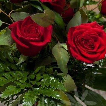 ramo rosas rojas hortiflor floristas 2-s